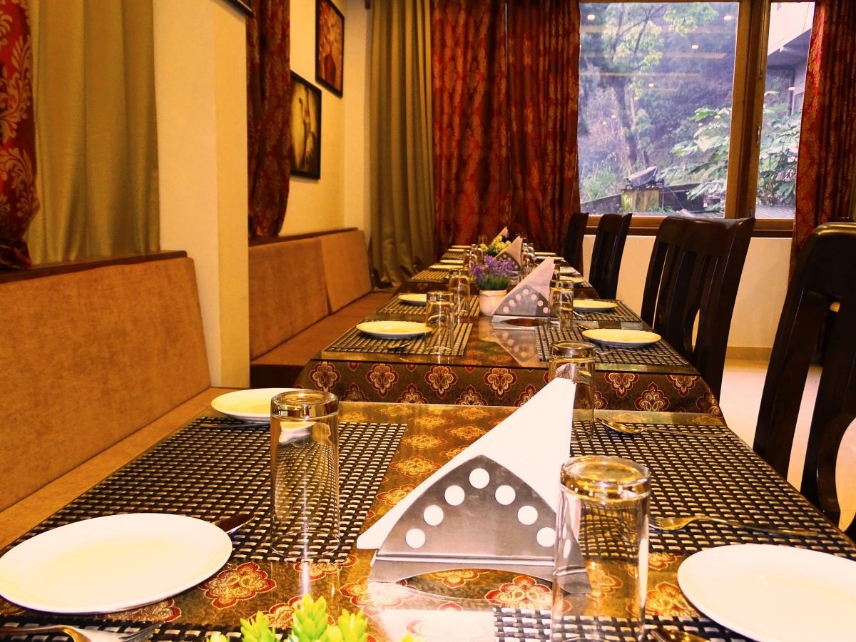 The Golden Crest Hotel Gangtok Restaurant